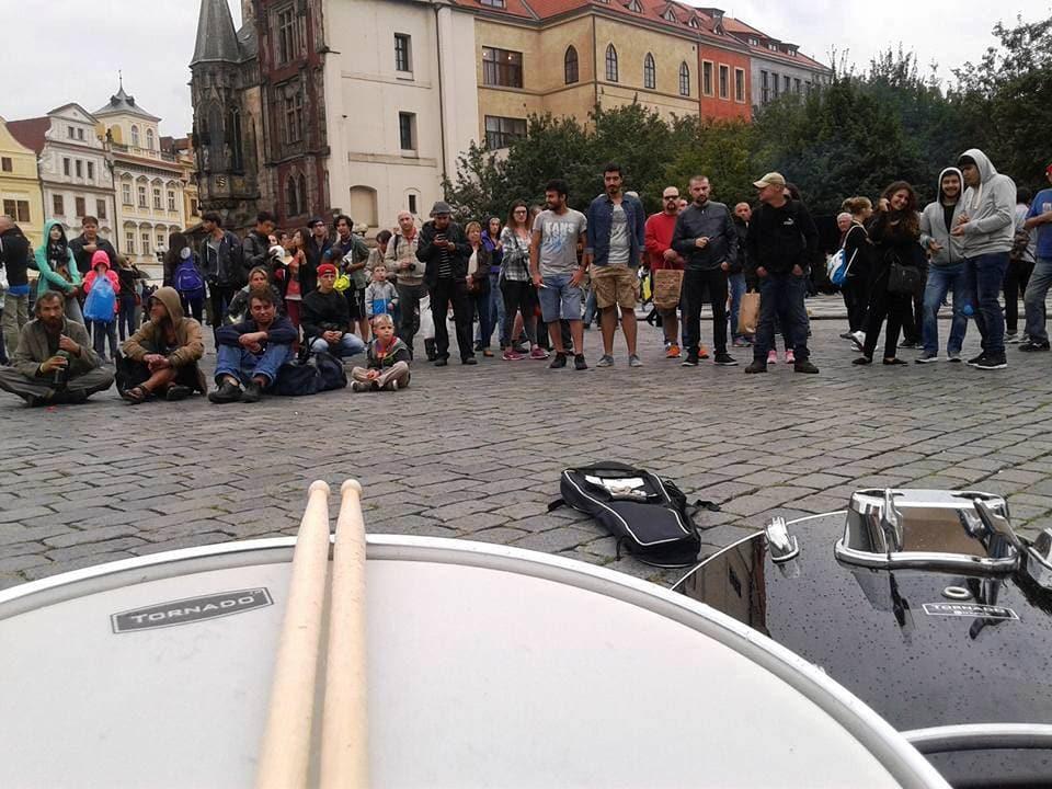 Praga_Rock_Busking_TownHall