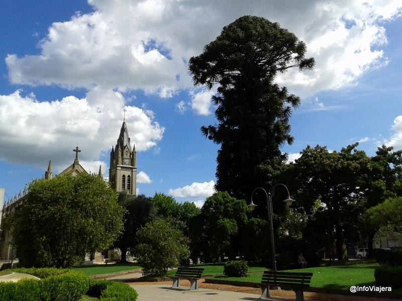 Lobos_City_Tour_Plaza_1810