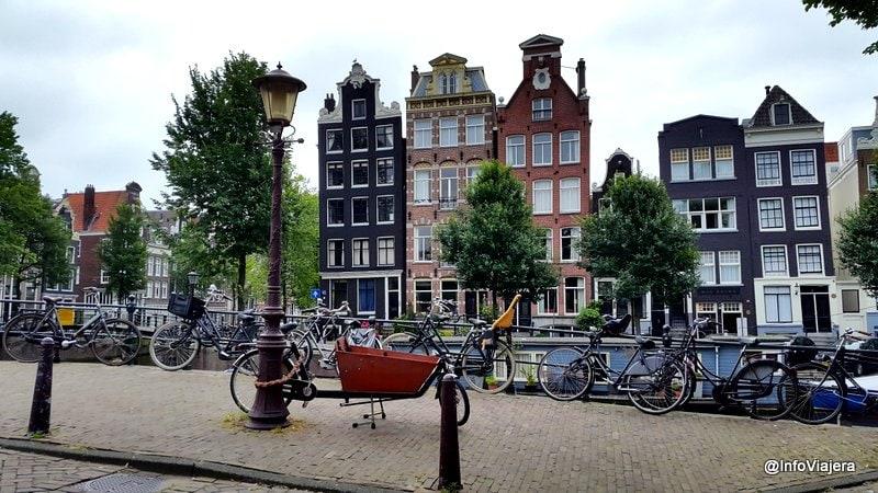 Amsterdam_Casas_Canal_Barrio_Jordaan