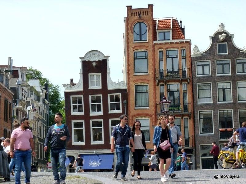 Amsterdam_Casas_Torcidas