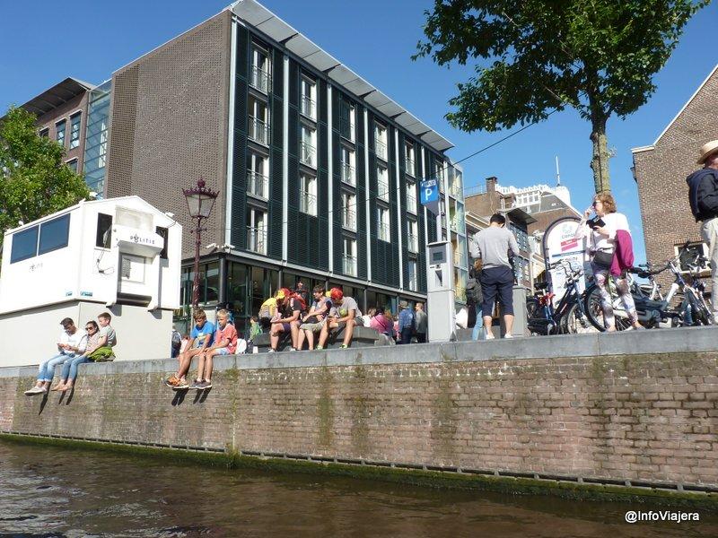 Casa_de_Ana_Frank_Amsterdam_Desde_el_Rio