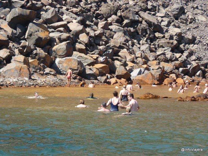 Detalle_Agua_Sulfurosa_Volcan_Catamaran_Santorini_Grecia