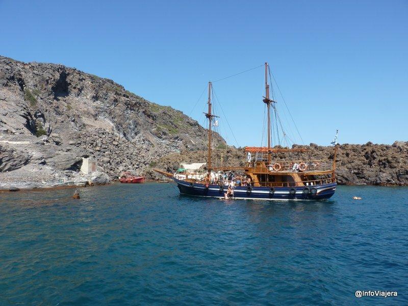 Otras_Embarcaciones_Paseo_Catamaran_Santorini_Grecia