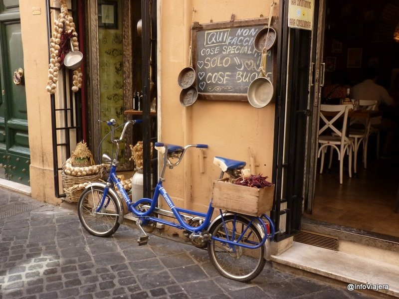 Roma_Callejuela_Zona_Barberini
