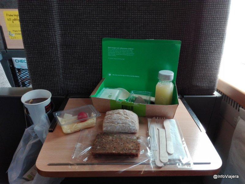 tren_primera_clase_suecia_pase_eurail_desayuno