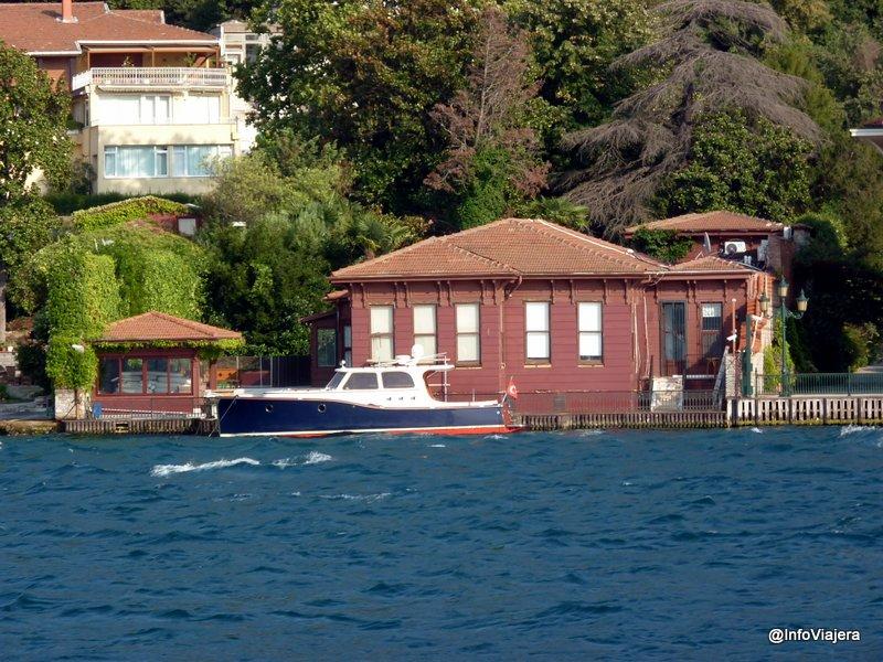 paseo_ferry_casas_otomanas_estambul_turquia