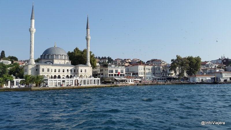 paseo_ferry_mezquita_estambul_turquia