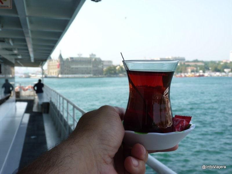 te_clasico_ferry_estambul_turquia